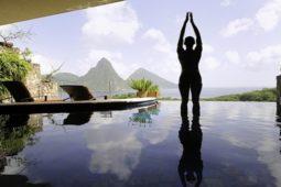 Pozice hory je vychozí pozicí pro pozdrav slunci. Pozdrav slunci je sestava, která se provádí většinou na záčátku power jógy, nebo jako rozehřátí před cvičením klasické jógy.